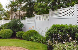 Ultra Privacy Fence with Diagonal Lattice Topper F-FVV-8