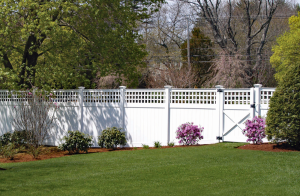 Ultra Privacy Fence with English Lattice Topper F-FVV-9