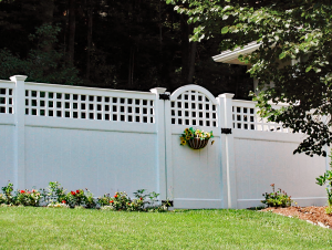 Ultra Privacy Fence with English Lattice Topper F-FVV-12